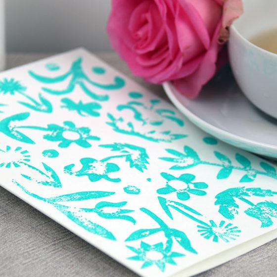 Zomaar kaart blauwe bloemen