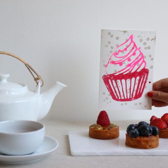 kaart_feestelijk_rode_cupcake_2